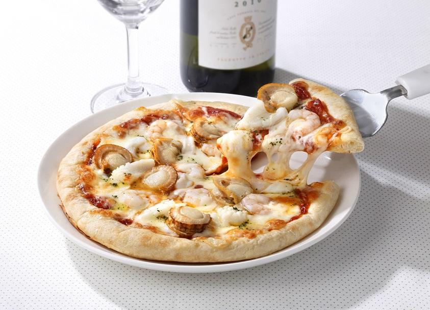 海鮮トマトピザ